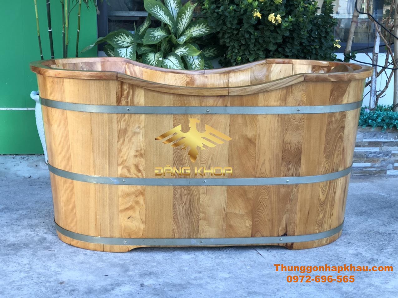 Bồn tắm gỗ Pơ-Mu có những vân gỗ đẹp và đa dạng về kiểu dáng