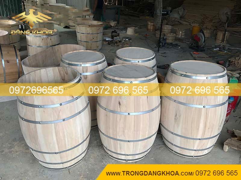 Sản xuất thùng rượu gỗ sồi