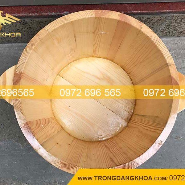 Bồn ngâm chân được làm từ chất liệu gỗ cao cấp