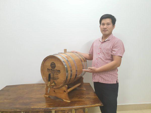 Cách kiểm tra thùng ngâm rượu bằng gỗ sồi khi mua