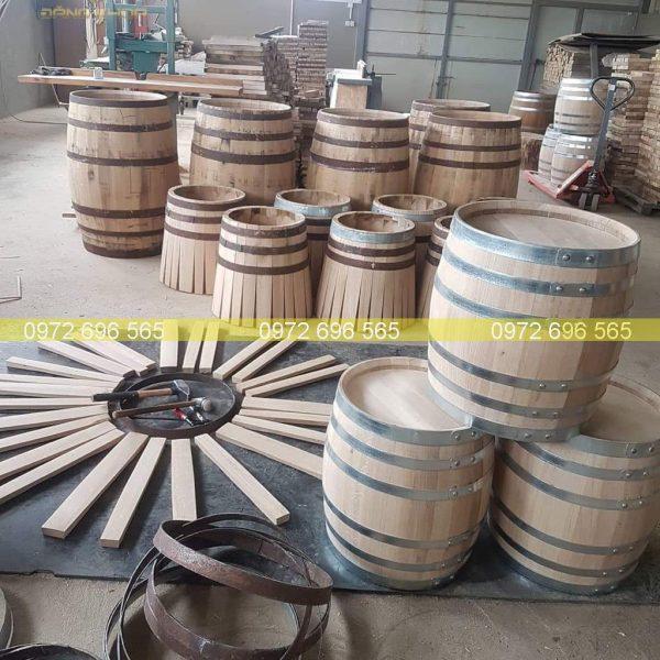 Ghép khung thùng gỗ sồi tại xưởng trống Đăng Khoa