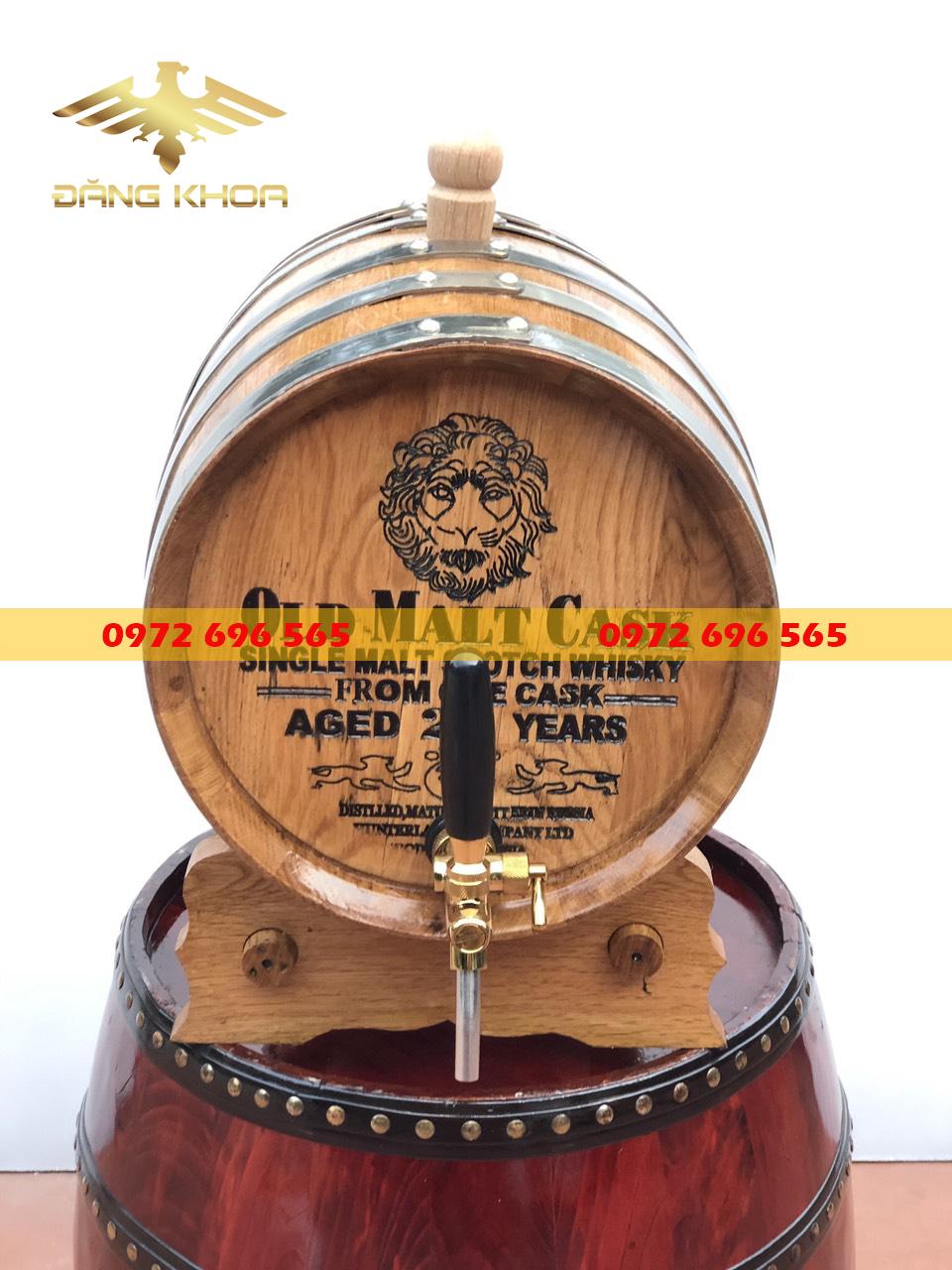 Thùng gỗ sồi đựng rượu vang
