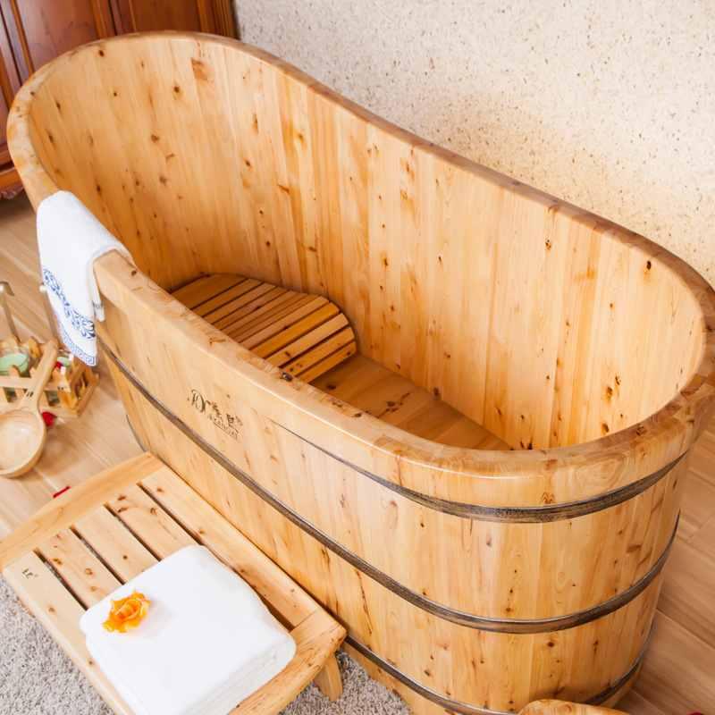 Bồn tắm gỗ hiện đại tại Trống Đăng Khoa
