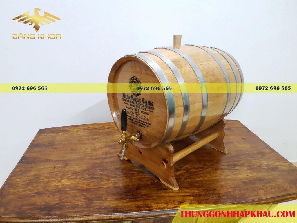 Sử dụng thùng rượu gỗ sồi 50l khắc mặt thùng hiệu quả