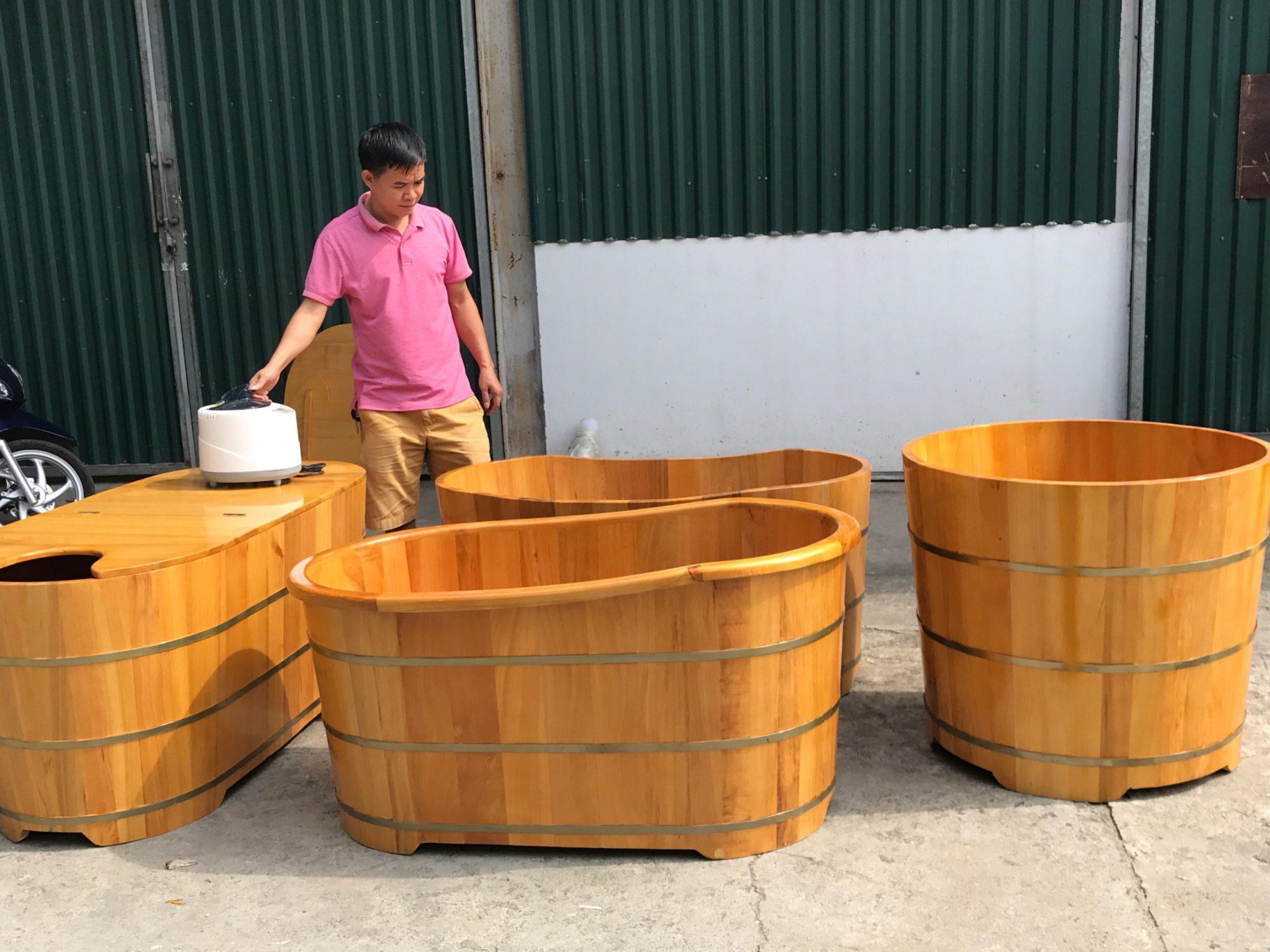 Bán bồn tắm gỗ thông thanh lý
