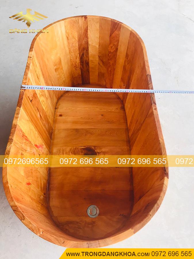 Bồn tắm gỗ xông hơi được nhiều người yêu thích