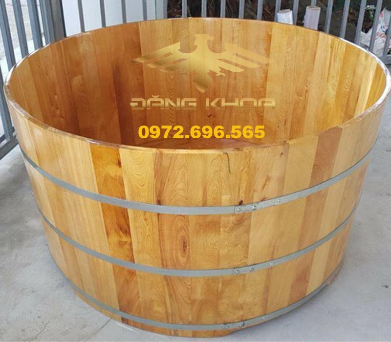 Bồn tắm gỗ thanh lý tại Trống Đăng Khoa