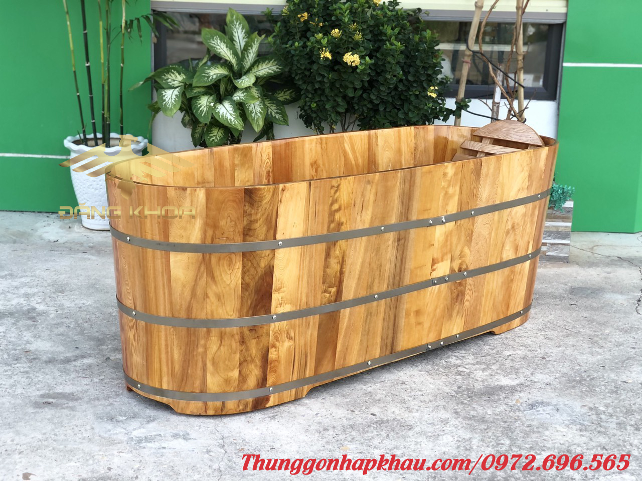 Bồn tắm gỗ đẹp 2022