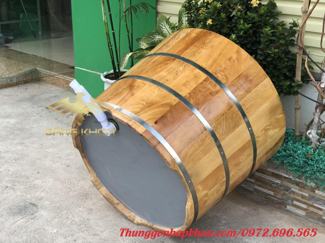 Đáy bồn tắm gỗ tròn