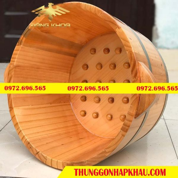 Ngâm chân bằng chậu gỗ có nhiều lợi ích về sức khỏe