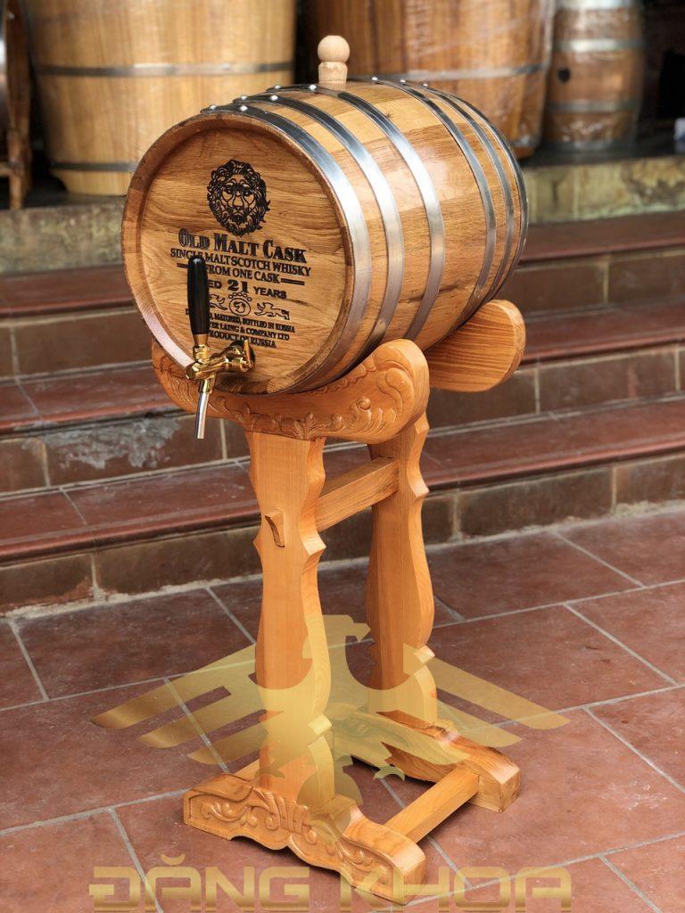 Chọn gỗ sồi để làm bình đựng rượu