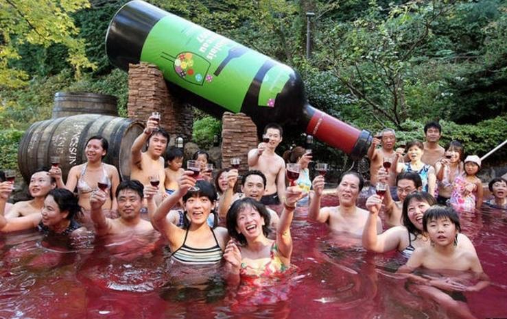 Công thức tắm rượu vang đỏ hiệu quả